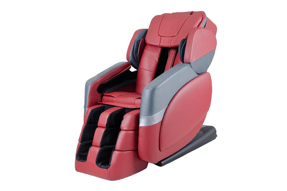 遊戲區提供按摩椅,在孩子玩耍的同時爸媽也能放鬆
