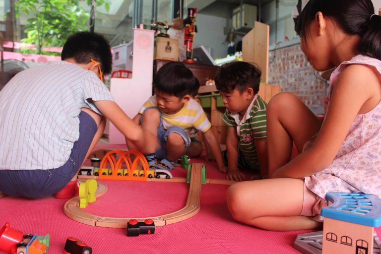 一起玩耍、創作,學習合作與溝通