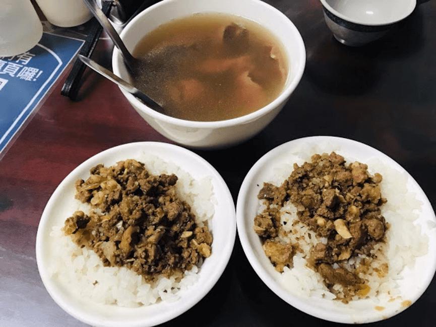文章牛肉湯肉燥飯與牛肉湯